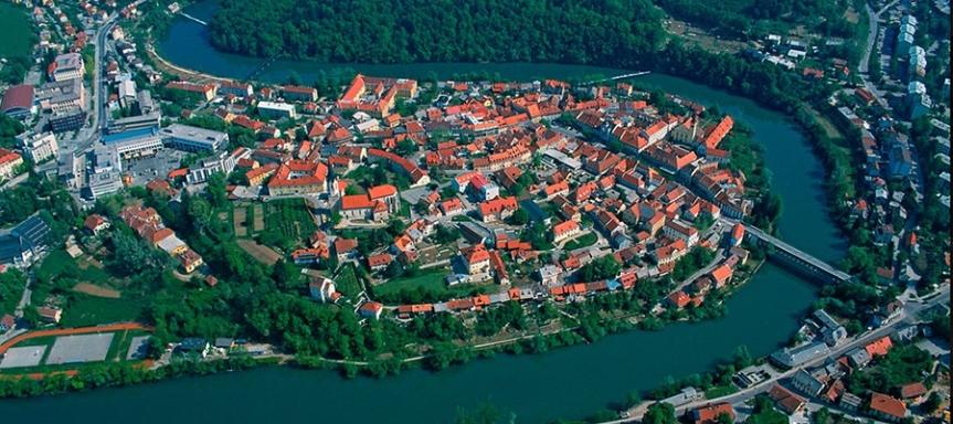 pogled na Novo mesto z zraka