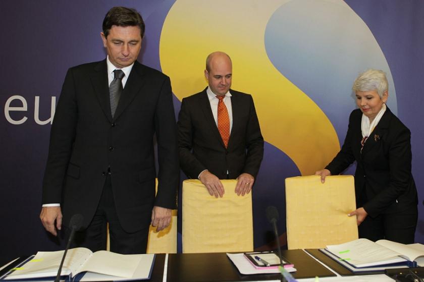 4. nov. 2009 - Slovenski premier Borut Pahor in njegova hrvaška kolegica Jadranka Kosor, ko sta v švedski prestolnici podpisala arbitražni dogovor.