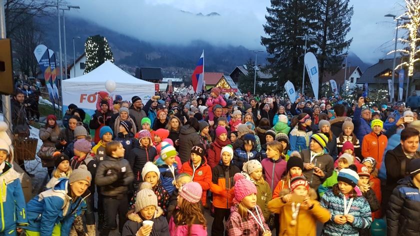 slovenskabakla potuje po Sloveniji sinočnja postojanka je bila olimpijska Mojstrana