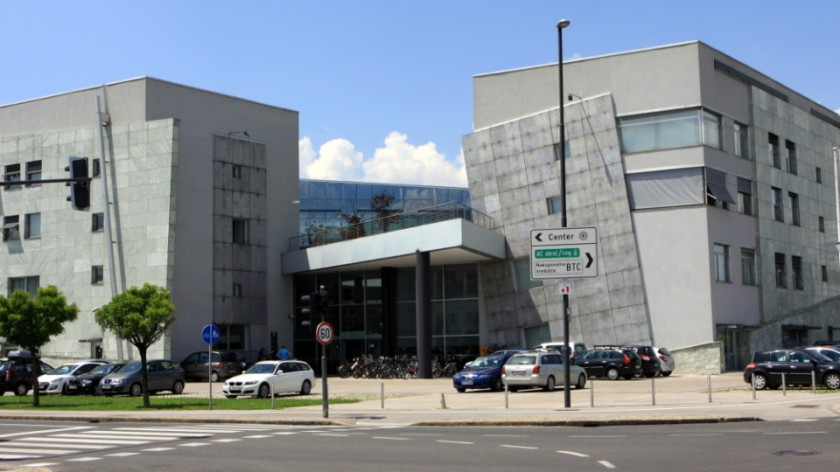 Stavba Davčne uprave RS