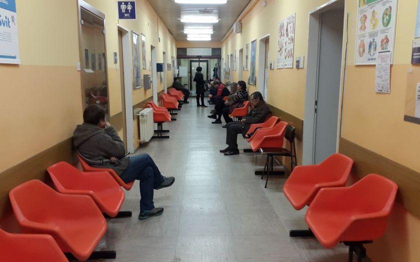 v bolnici čakalnica