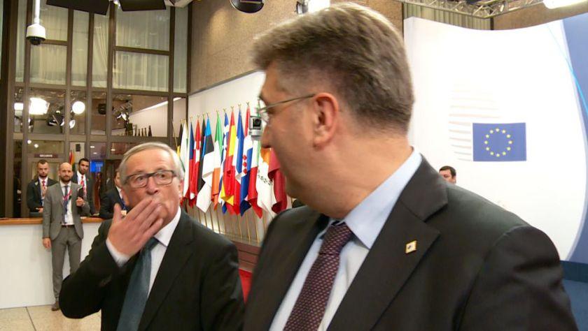 Plenković in Juncker v posebnem razmerju...