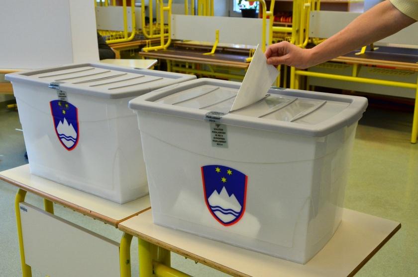 volitve - volilni skrinji
