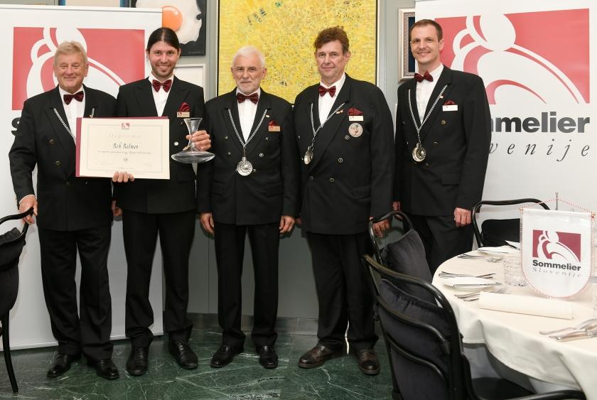 Ivan Peršolja, predsednik Društva Sommelier Slovenije v sredini