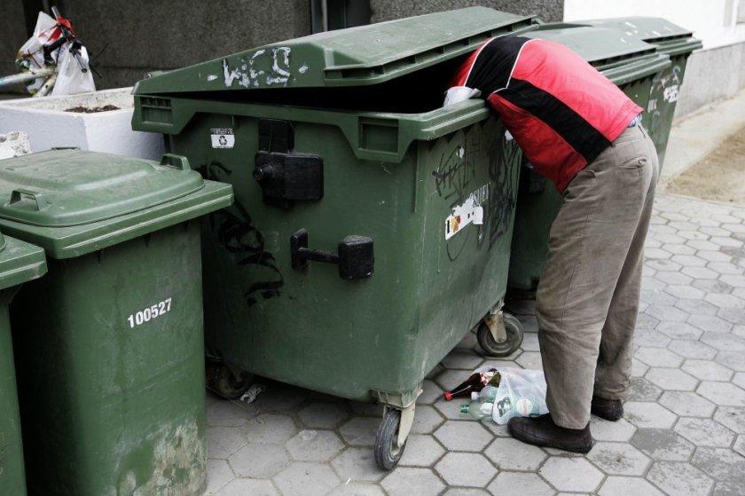 Hrvaški državljan ob brskanju po kontejnerju