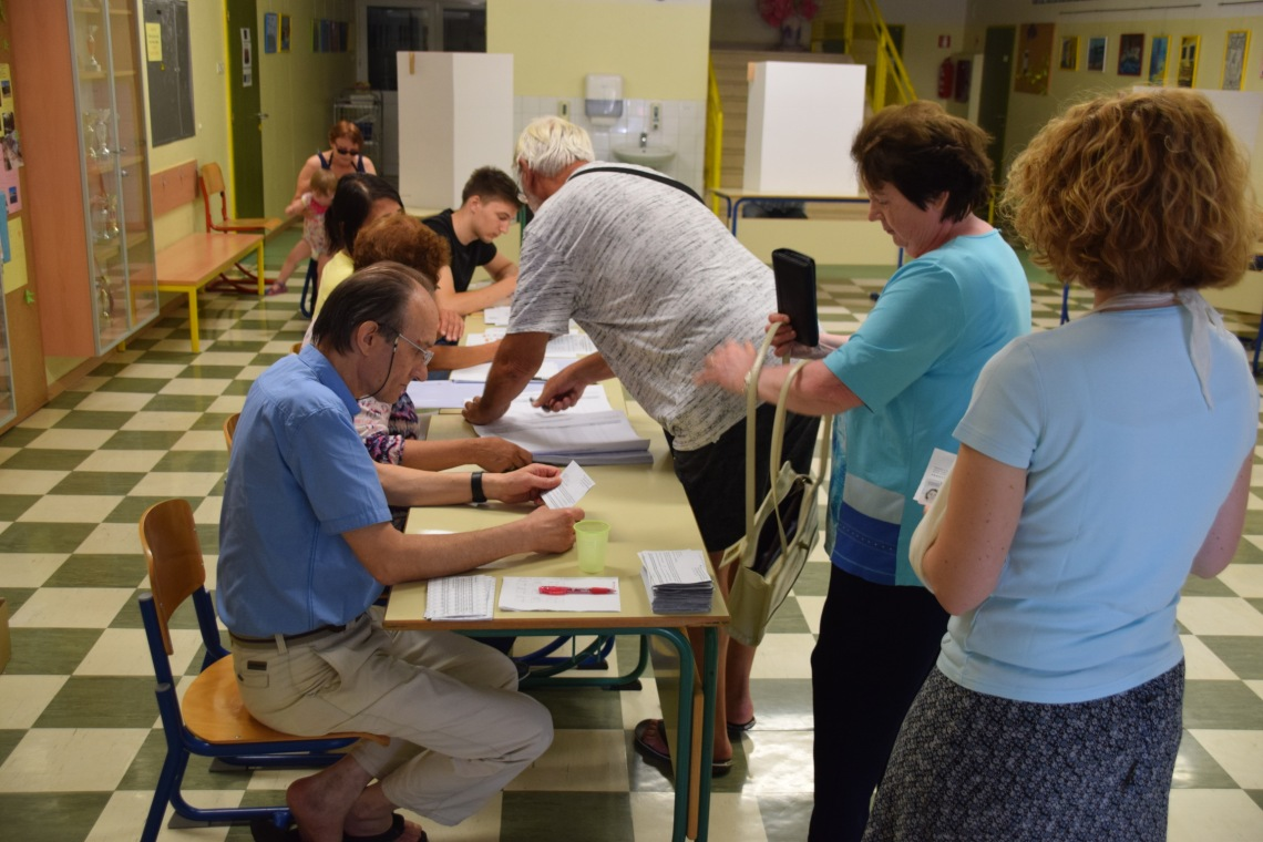 Na volišču 6 Izola - volivci