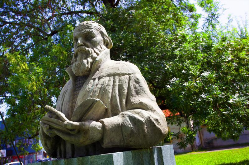 Kip v poklon Primožu Trubarju v Celju