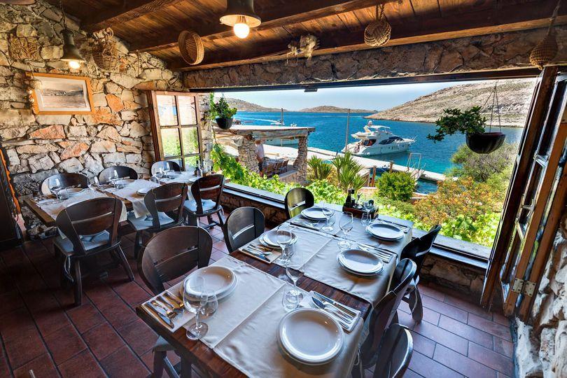 restavracija na hrvaški obali