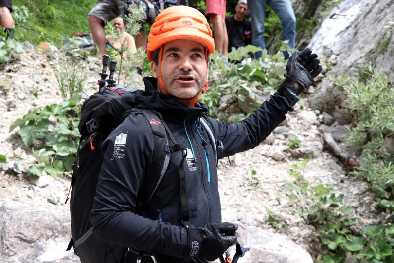 Da bi se izognili nevihtam, se v gore odpravimo zgodaj zjutraj, svetuje strokovni sodelavec PZS in alpinistični inštruktor Matjaž Šerkezi (foto Manca Čujež)