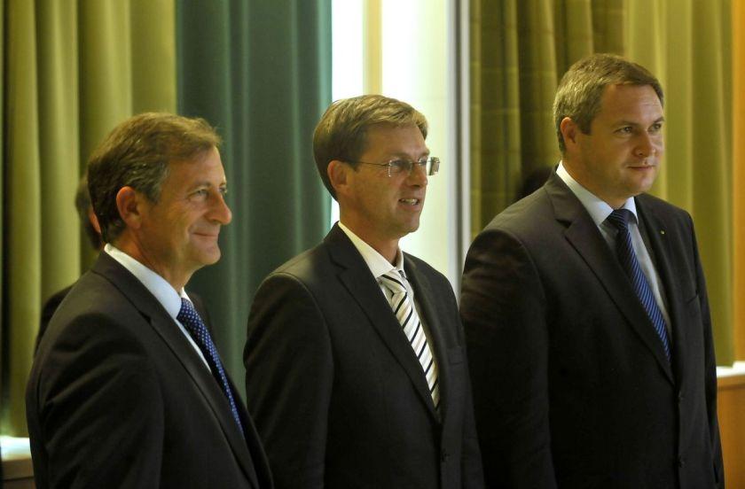 Od leve proti desni: Karel Erjavec Miro Cerar in Dejan Židan