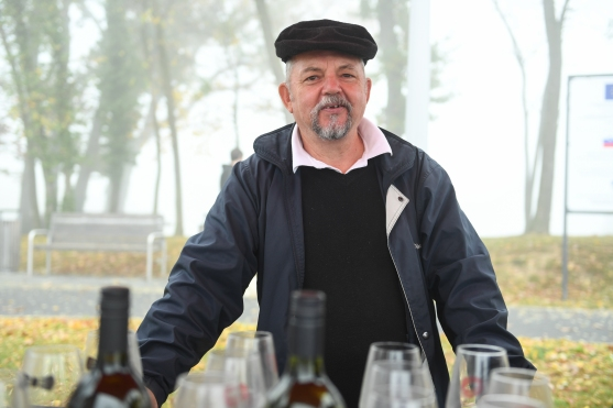 Obiskovalce so pogostili lokalni vinarji.2