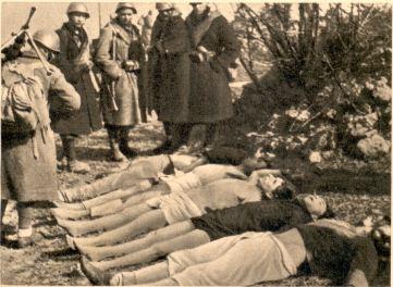 Italijanski fašisti hladnokrvno ogledujejo slovenske žrtve