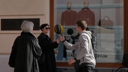 Dunking Devils v akciji na ljubljanskih ulica ob osmem marcu dnevu žena/Foto: Dunking Devils