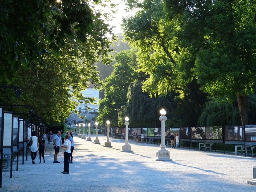 Jakopičevo sprehajališče v Tivoliju v Ljubljani