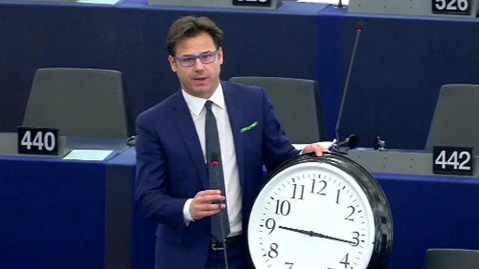 Padla odločitev spreminjanje časa EU