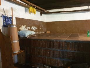 Domačija Šturmajce, zidana peč