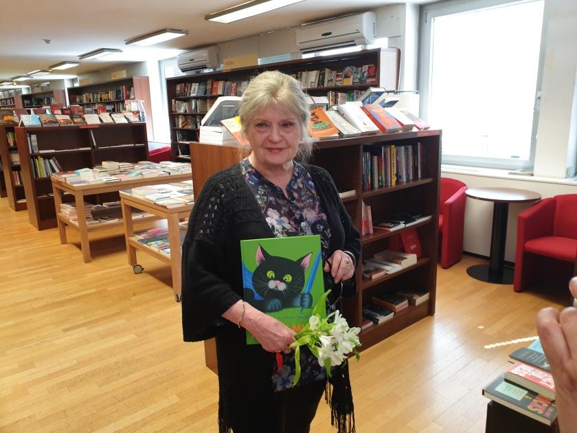 Založba Mladinska knjiga je novo knjigo Rasla je Jelka položila na svoje  police, ilustracije izpod čopiča Jelke Reichman