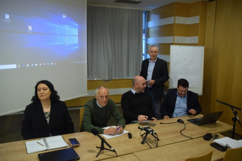 Okrogla miza ZENS - udeleženci predstavitve