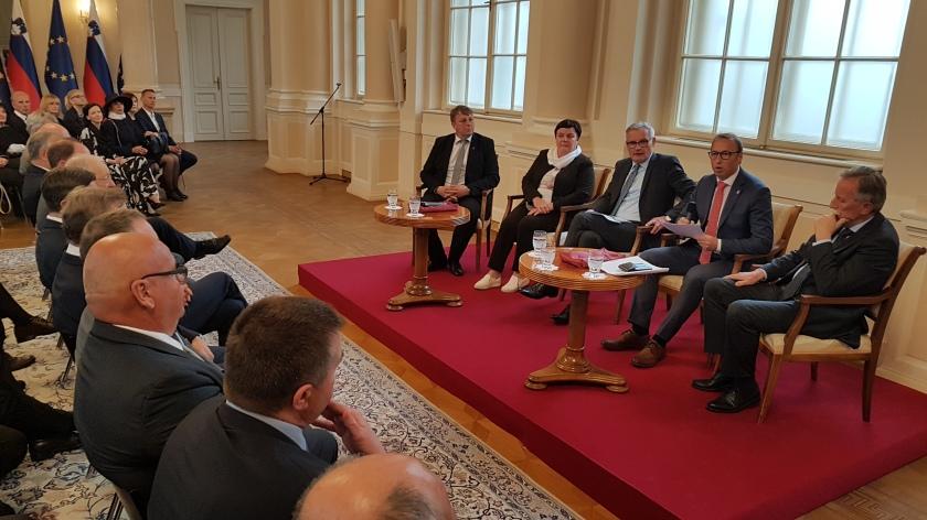 Obrtniki predstavili svoje poglede predsedniku države Pahorju