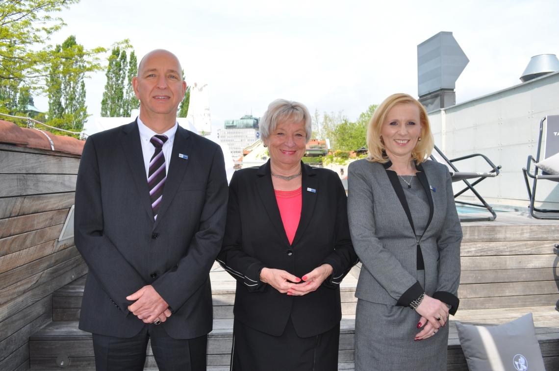 Od leve proti desni: Thomas Uihlein, Gertrud Rantzen in Valerija Špacapan Friš