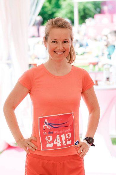 Tekačica Jasmina Kozina Praprotnik iz Urbanih tekačev je tekla na 10 km in darovala 12,500 korakov iniciativi Združimo korake.